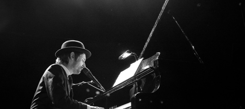 photograph of Neil Hannon, The Diving Comedy peforming live at Manchester Academy